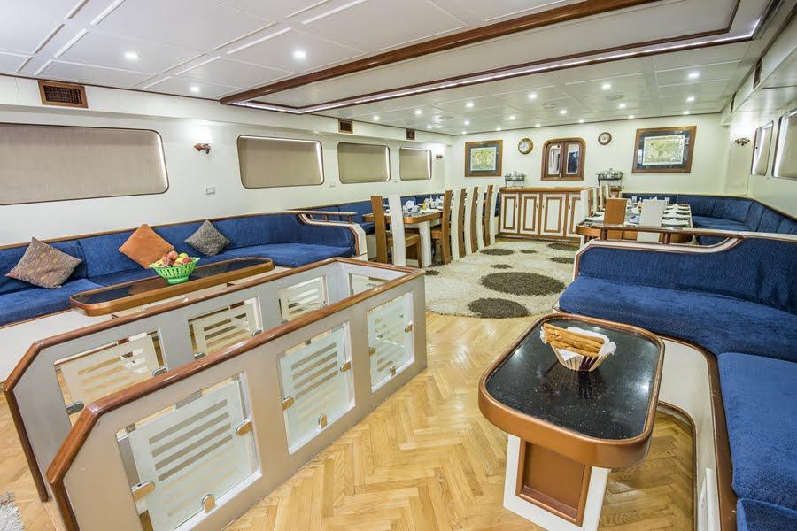 Lounge und Essbereich