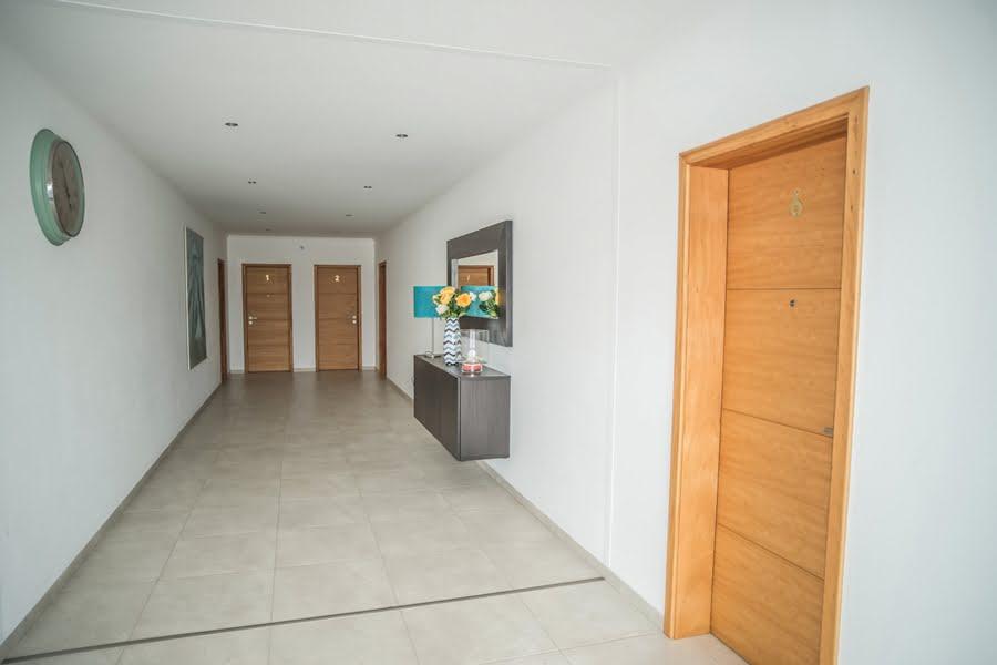 Maroicos Apartments