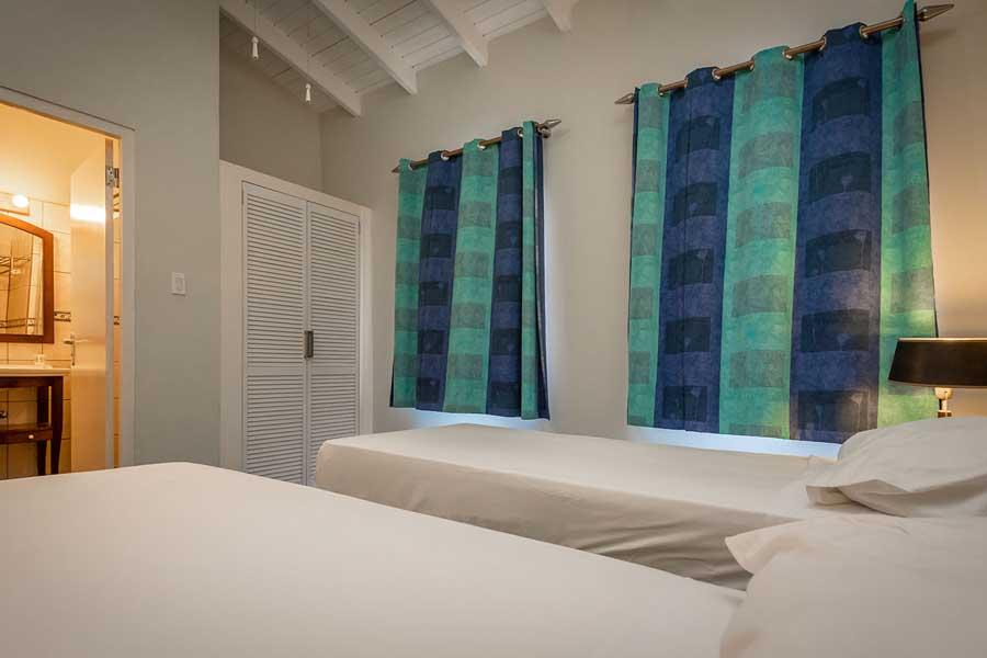 Penthouse Zweibett Zimmer